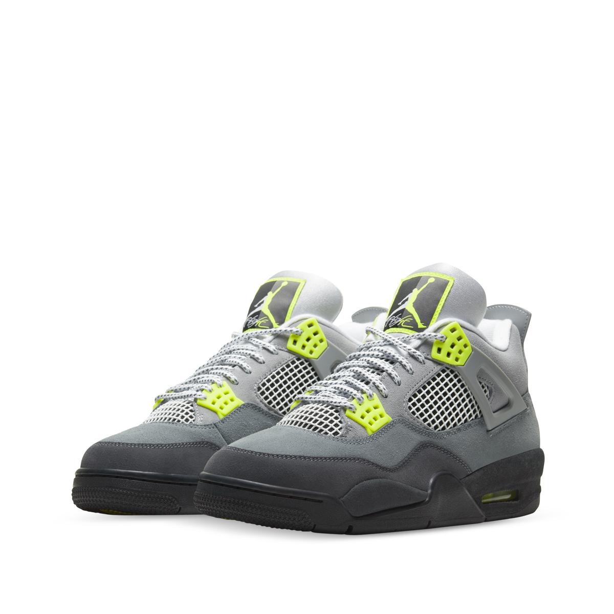 "Nike Air Jordan 4 Retro SE ""Neon"""