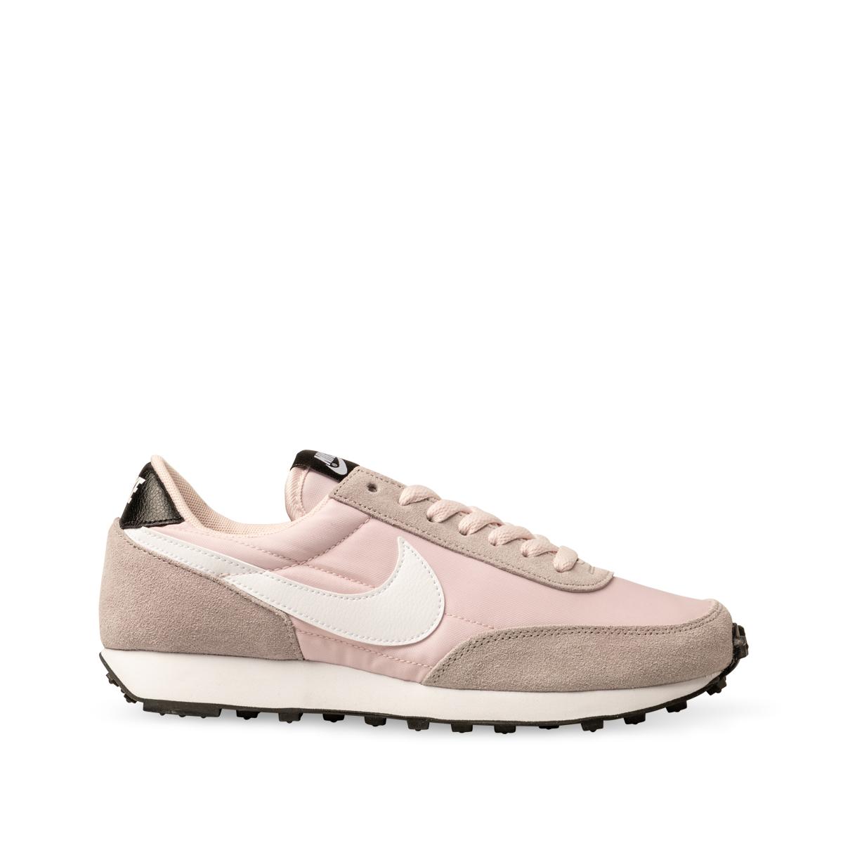 Nike Womens Daybreak